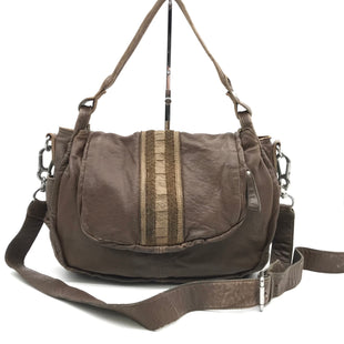 "Primary Photo - BRAND: LIEBESKIND STYLE: HANDBAG COLOR: BROWN SIZE: MEDIUM 10""H X 15""L X 5""WSTRAP DROP: 20"" - 27""SKU: 262-26241-43901VISIBLE WEAR - AS IS"