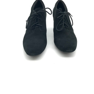 Primary Photo - BRAND: CLARKS STYLE: BOOTS ANKLE COLOR: BLACK SIZE: 7.5 SKU: 262-26211-129706AS IS