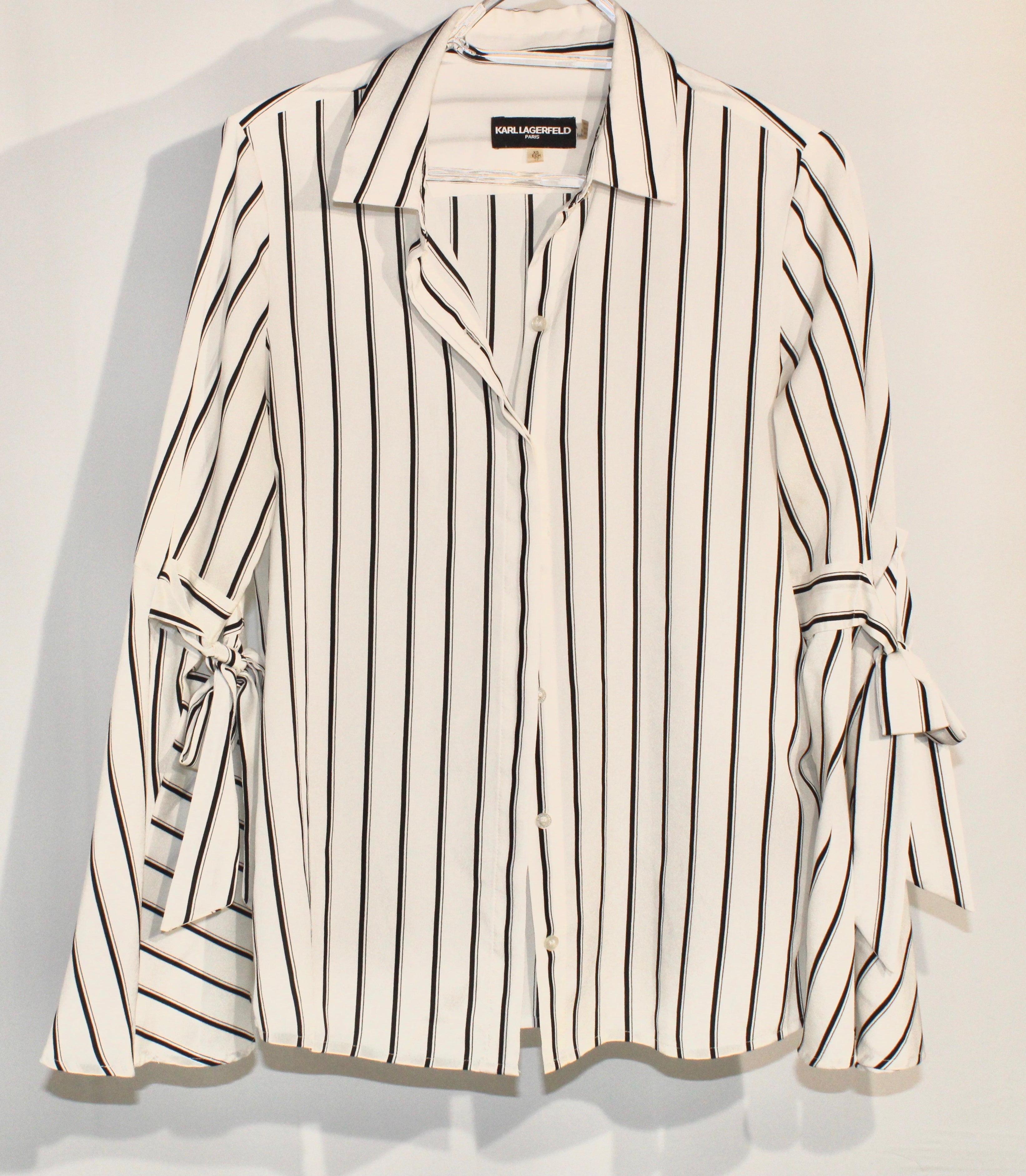 Primary Photo - <P>BRAND: KARL LAGERFELD <BR>STYLE: BLOUSE <BR>COLOR: STRIPED <BR>SIZE: XS <BR>SKU: 262-26211-139049</P> <P> </P> <P>DESIGNER FINAL</P>