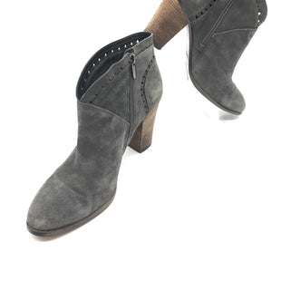 Primary Photo - BRAND: VINCE CAMUTO STYLE: BOOTS ANKLE COLOR: GREY SIZE: 9 SKU: 262-262101-539