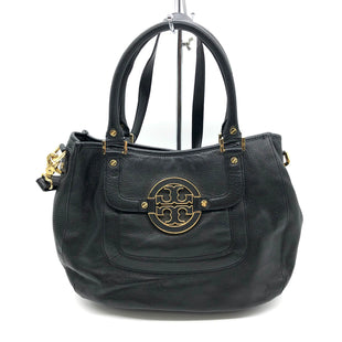 "Primary Photo - BRAND: TORY BURCH STYLE: HANDBAG DESIGNER COLOR: BLACK SIZE: LARGE SKU: 262-26275-78618DESIGNER BRAND FINAL SALE AS IS SLIGHT MARKS, SLIGHT WEAR ON CORNERS, WEAR TO BOTTOM HARDWARE, SLIGHT STAINS INSIDE (SEE PHOTOS) APPROX 16""X11""X4""HANDLE DROP APPROX 6.5"""