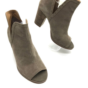 Primary Photo - BRAND: LUCKY BRAND STYLE: BOOTS ANKLE COLOR: TAUPE SIZE: 9 SKU: 262-26241-41417IN GOOD SHAPE AND CONDITION