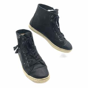 Primary Photo - BRAND: UGG STYLE: SHOES ATHLETIC COLOR: BLACK SIZE: 9 SKU: 262-26241-47816GENTLE WEAR - AS IS