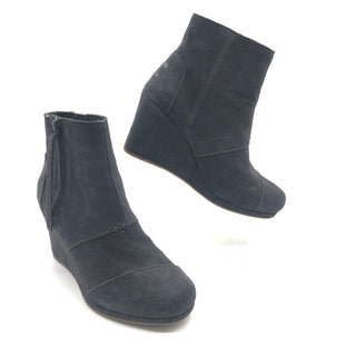 Primary Photo - BRAND: TOMS STYLE: BOOTS ANKLE COLOR: GREY SIZE: 6 SKU: 262-262101-2545IN GOOD SHAPE AND CONDITION