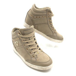 Primary Photo - BRAND: GUESS STYLE: SHOES ATHLETIC COLOR: TAN SIZE: 9 SKU: 262-26241-44981SLIGHT SPOTS • AS IS