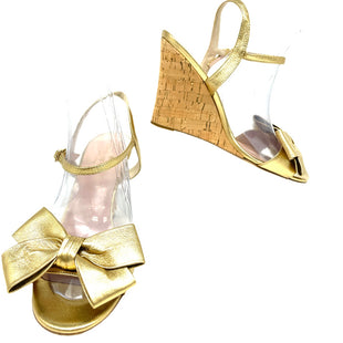 Primary Photo - BRAND: KATE SPADE STYLE: SANDALS FLAT COLOR: GOLD SIZE: 6.5 SKU: 262-26211-144797