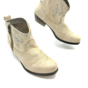Primary Photo - BRAND: BIG BUDDAH STYLE: BOOTS ANKLE COLOR: BEIGE SIZE: 8 SKU: 262-26275-62512AS IS
