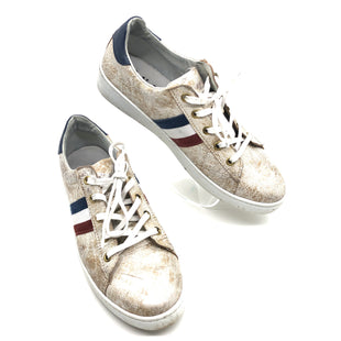 Primary Photo - BRAND:  L'IDEA BY LORISTYLE: SHOES ATHLETIC COLOR: METALLIC SIZE: 9 | 40SKU: 262-26275-75635GENTLE WEAR - AS IS