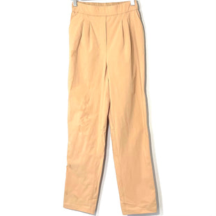 Primary Photo - BRAND: LULULEMON STYLE: ATHLETIC PANTS COLOR: BEIGE SIZE: 2 SKU: 262-26241-46377DESIGNER FINAL