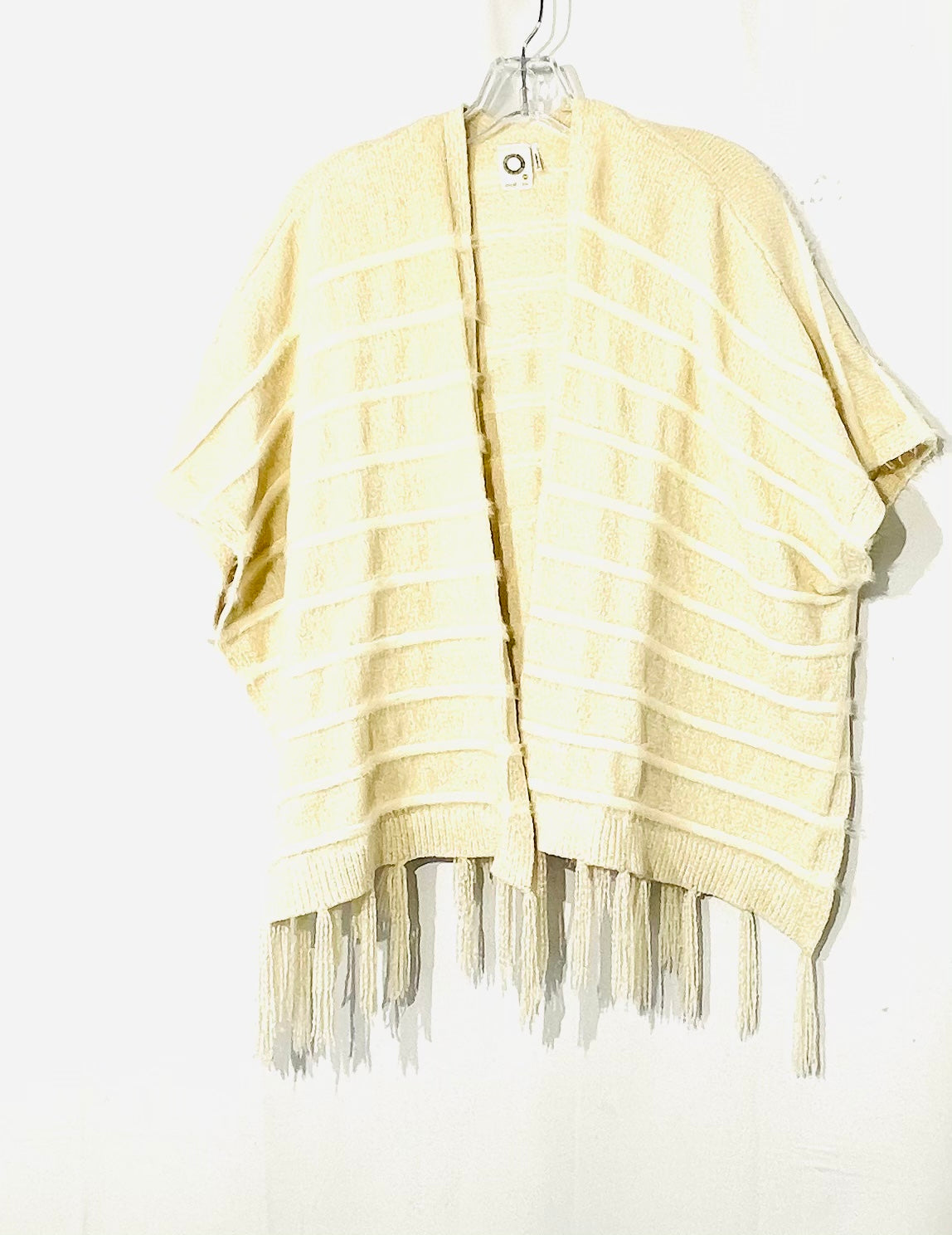 Primary Photo - BRAND:  AKEMI + KIN<BR>STYLE: SWEATER SHORT SLEEVE <BR>COLOR: CREAM <BR>SIZE: S/M<BR>OTHER INFO: AKEMI + KIN <BR>SKU: 262-26241-44512<BR>BLACK SPOT ON INSIDE