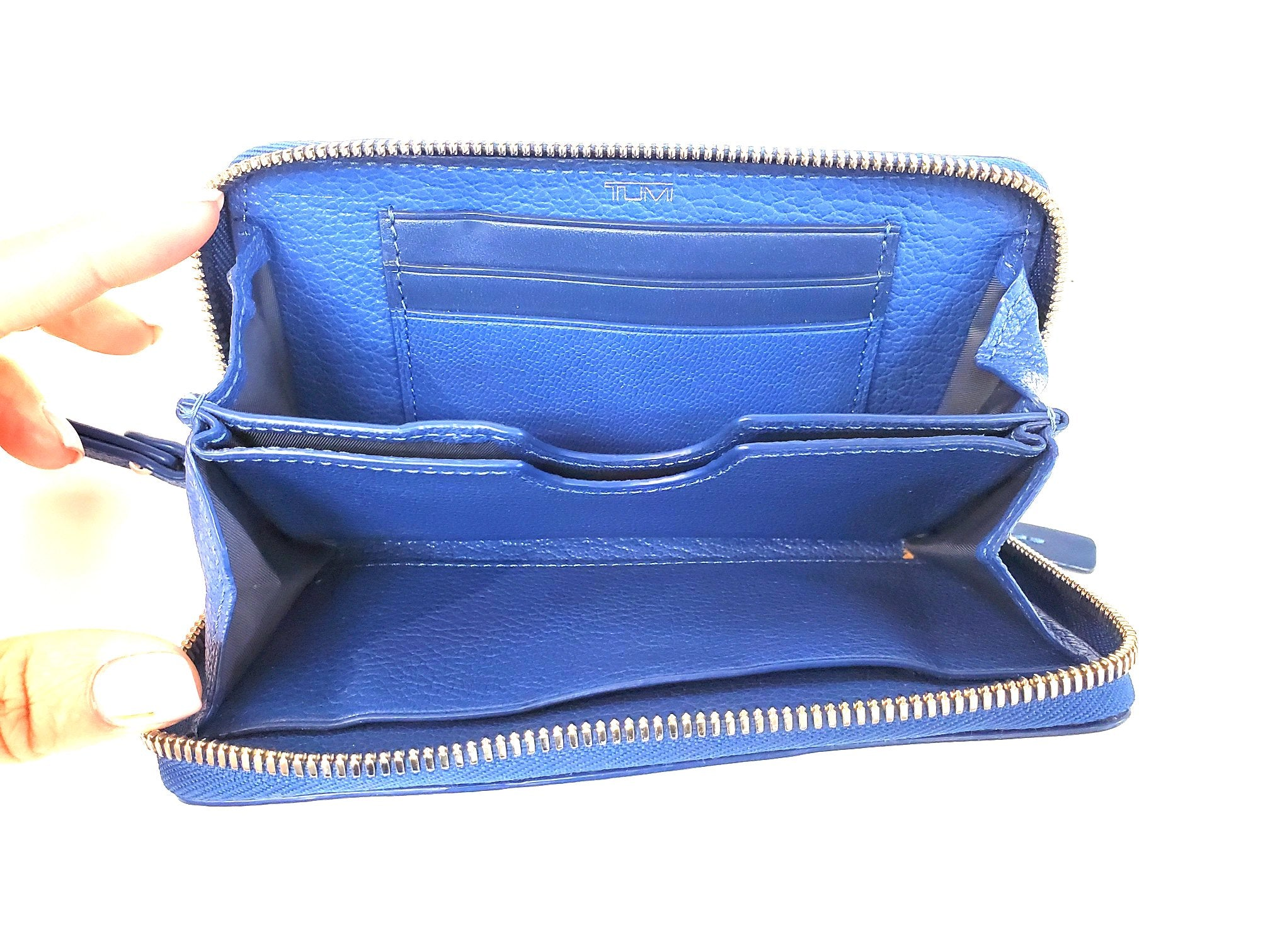 Photo #2 - BRAND: TUMI <BR>STYLE: WRISTLET <BR>COLOR: BLUE <BR>SKU: 262-26298-410R<BR>AS IS <BR>