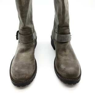 Primary Photo - BRAND: STEVE MADDEN STYLE: BOOTS ANKLE COLOR: OLIVE SIZE: 7 SKU: 262-26275-69068AS IS