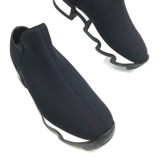 Primary Photo - BRAND:  IRISTYLE: SHOES ATHLETIC COLOR: BLACK WHITE SIZE: 9 SKU: 262-26275-68493AS IS