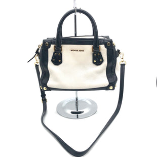 "Primary Photo - BRAND: MICHAEL KORS STYLE: HANDBAG DESIGNER COLOR: BLACK WHITE SIZE: SMALL AS IS WEAR SHOWS SKU: 262-26275-75791APPROX 10""X6""X4"""