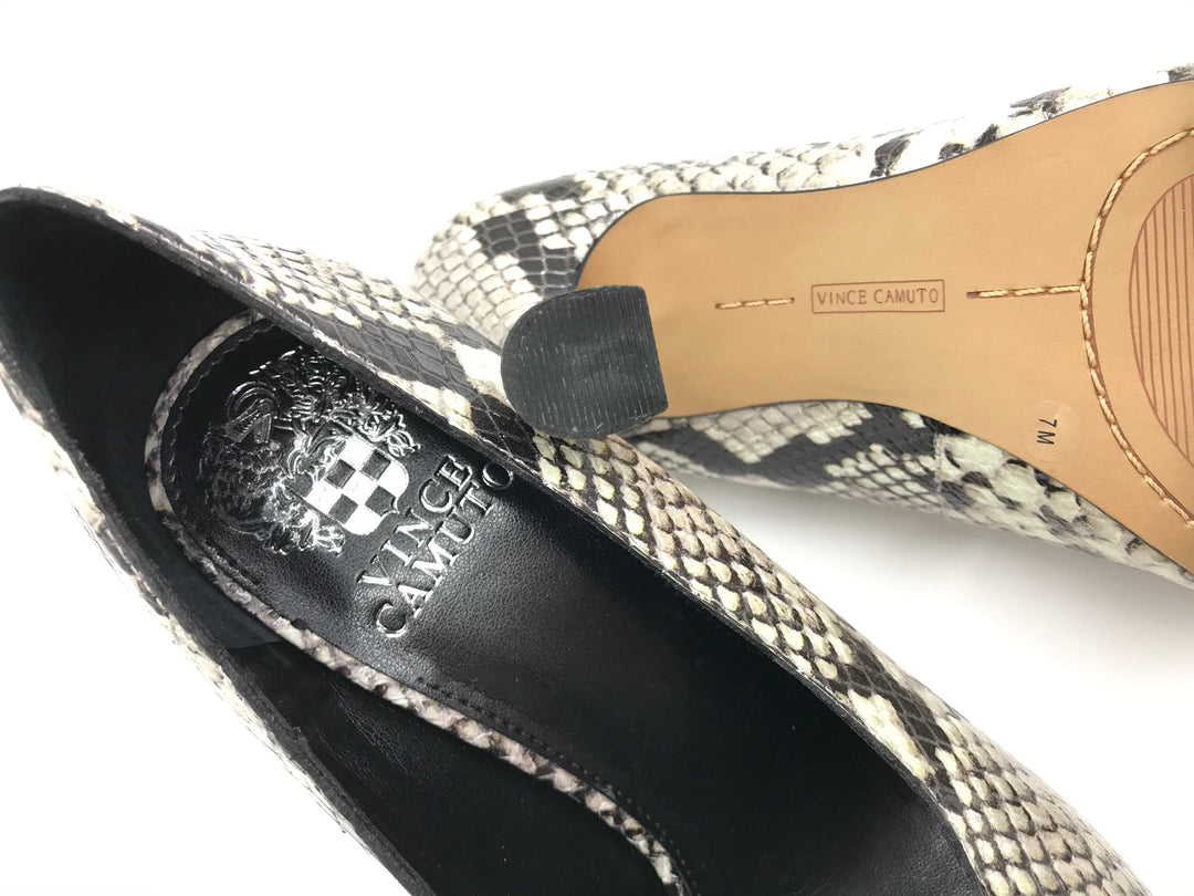 Photo #2 - BRAND: VINCE CAMUTO <BR>STYLE: SHOES HIGH HEEL <BR>COLOR: SNAKESKIN PRINT <BR>SIZE: 7 <BR>SKU: 262-26275-60474<BR>IN GOOD SHAPE - AS IS