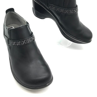 Primary Photo - BRAND: JAMBU STYLE: SHOES WEDGECOLOR: BLACK SIZE: 9 SKU: 262-26275-61229GENTLE WEAR SHOWS - AS IS