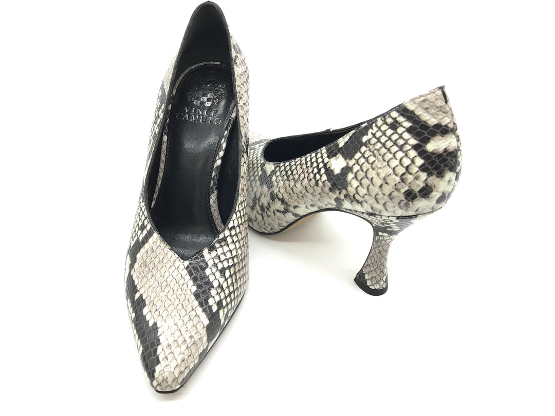 Photo #1 - BRAND: VINCE CAMUTO <BR>STYLE: SHOES HIGH HEEL <BR>COLOR: SNAKESKIN PRINT <BR>SIZE: 7 <BR>SKU: 262-26275-60474<BR>IN GOOD SHAPE - AS IS