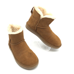 Primary Photo - BRAND: KOOLABURRA BY UGG STYLE: BOOTS ANKLE COLOR: TAN SIZE: 8 SKU: 262-26275-77360SOME SPOTS • OVERALL IN GOOD SHAPE AND CONDITION •
