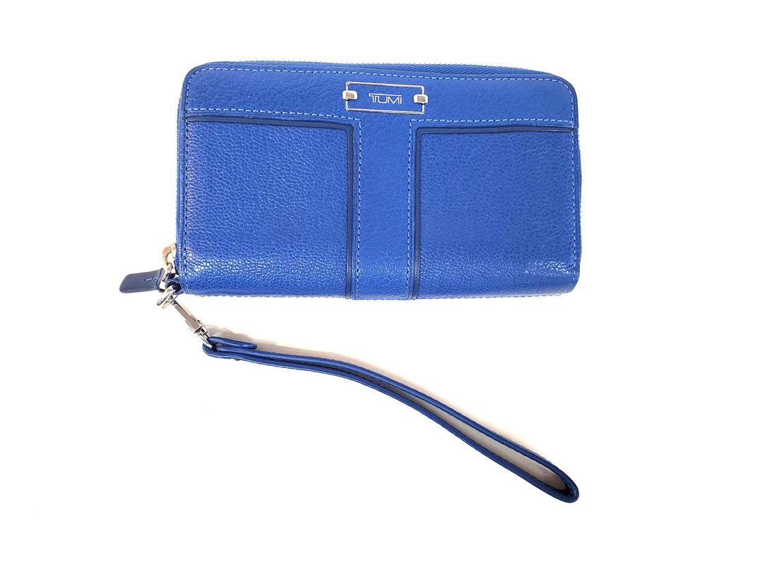 Primary Photo - BRAND: TUMI <BR>STYLE: WRISTLET <BR>COLOR: BLUE <BR>SKU: 262-26298-410R<BR>AS IS <BR>