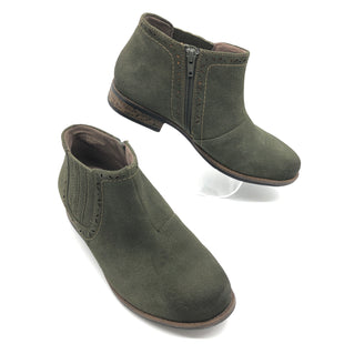 Primary Photo - BRAND: EARTH STYLE: BOOTS ANKLE COLOR: OLIVE SIZE: 8.5 SKU: 262-26275-77581IN GREAT SHAPE AND CONDITION