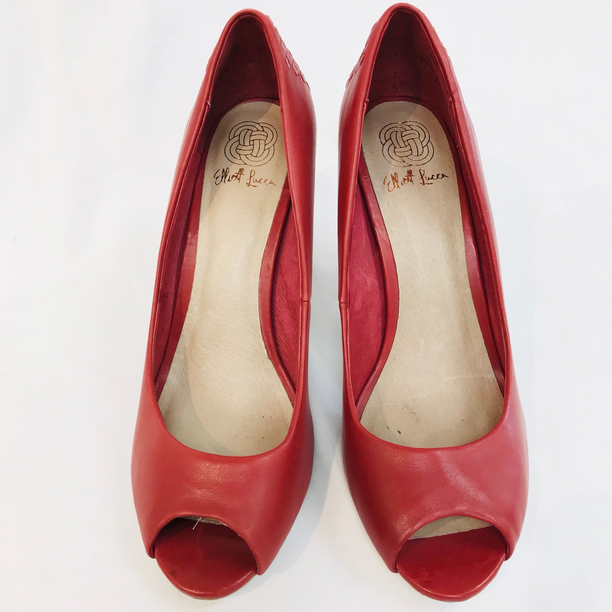 Primary Photo - BRAND: ELLIOT LUCCA <BR>STYLE: SHOES HIGH HEELS<BR>COLOR: RED <BR>SIZE: 8.5 <BR>SKU: 262-26275-43576<BR>- AS IS -
