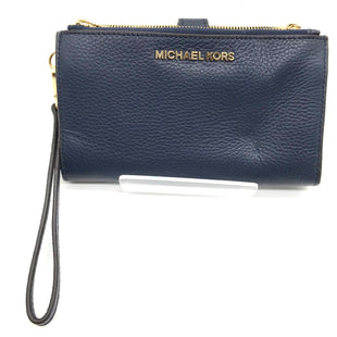 "Primary Photo - BRAND: MICHAEL KORS STYLE: WRISTLET COLOR: NAVY SKU: 262-26241-42751APPROX. 7.25"" L X 4.25"" H"