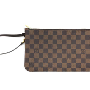 "Primary Photo - BRAND: LOUIS VUITTON STYLE: WRISTLET COLOR: DAMIER EBENESKU: 262-26275-68246THIS IS THE REMOVABLE ZIPPED POUCH FOR ""THE NEVERFULL GM TOTE"". LIKE NEW CONDITION."