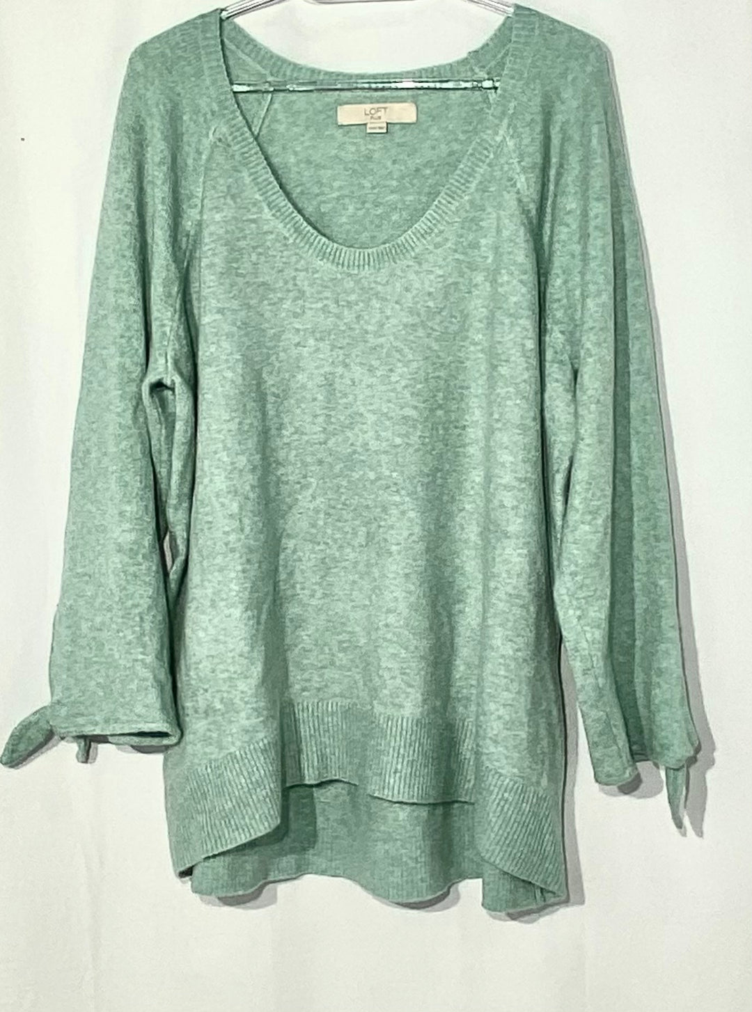 Primary Photo - BRAND: ANN TAYLOR LOFT PLUS<BR>STYLE: SWEATER LIGHTWEIGHT <BR>COLOR: MINT <BR>SIZE: 1X (16-18)<BR>SKU: 262-26211-140515