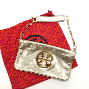 "Primary Photo - BRAND: TORY BURCH STYLE: CLUTCH COLOR: GOLD SIZE: 7""H X 12""L X .75""WDROP: 8""SKU: 262-26275-74886GENTLE WEAR ON THE HARDWARE • AS IS"