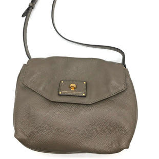 "Primary Photo - BRAND: MARC BY MARC JACOBS STYLE: HANDBAG DESIGNER COLOR: TAUPE SIZE: SMALL 8.5""H X 10""L X 2.2""WSTRAP DROP: 22.5""SKU: 262-26241-43499IN GOOD SHAPE AND CONDITION"