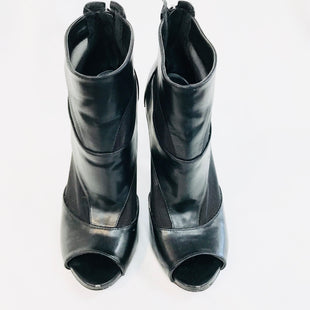 Primary Photo - BRAND: GUESS STYLE: BOOTS ANKLE COLOR: BLACK SIZE: 8.5 SKU: 262-26211-133240-AS IS -