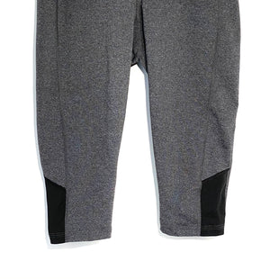 Primary Photo - BRAND: LUCY STYLE: ATHLETIC CAPRIS COLOR: GREY SIZE: S SKU: 262-26211-140446