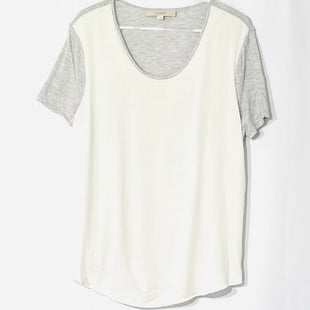 Primary Photo - BRAND: ANN TAYLOR LOFT STYLE: TOP SHORT SLEEVE COLOR: GREY WHITE SIZE: L SKU: 262-26275-76042