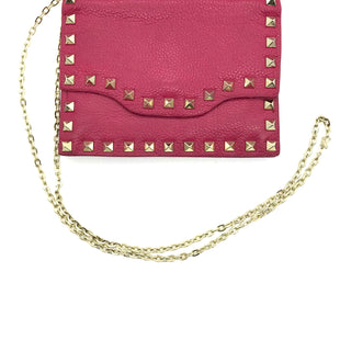 "Primary Photo - BRAND: NEIMAN MARCUS STYLE: HANDBAG COLOR: HOT PINK SIZE: SMALL SKU: 262-26241-43692APPROX. 6.75""L X 5""H. SMALL SIZE, SLIGHT WEAR TO INSIDE OF FLAP. MATERIAL 100% LEATHER"