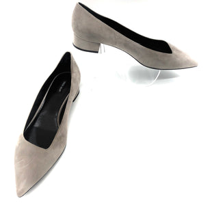 Primary Photo - BRAND: GIORGIO ARMANI STYLE: SHOES FLATS COLOR: GREY SIZE: 40.5 (US: APPROX. 9.5)SKU: 262-26275-73785