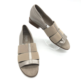 Primary Photo - BRAND:  MUNROSTYLE: SANDALS FLAT COLOR: BEIGE SIZE: 7.5 SKU: 262-26211-136326IN GOOD SHAPE AND CONDITION