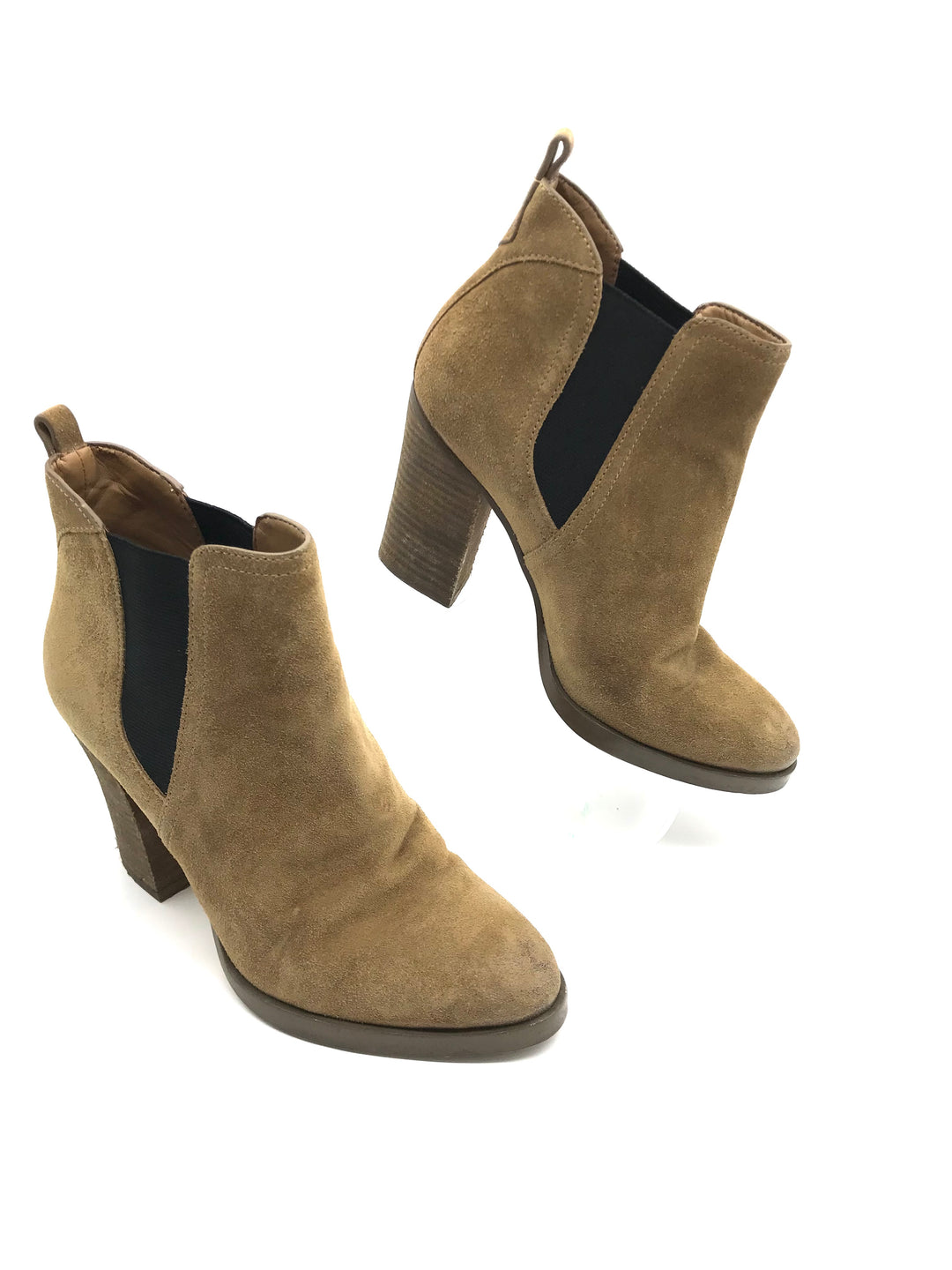 Primary Photo - BRAND: MARC FISHER <BR>STYLE: BOOTS ANKLE <BR>COLOR: BROWN <BR>SIZE: 7 <BR>SKU: 262-262101-1906<BR>SLIGHT SCRATH ON TOE AREA • GENTLE WEAR SHOWS • GENTLE TEAR IN THE INTERIOR LINING • GENTLE SCUFFS ON THE OUTSOLES •