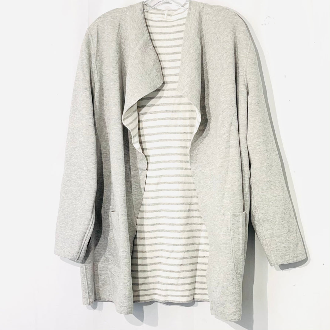 Photo #1 - BRAND:    CLOTHES MENTOR <BR>STYLE: SWEATER CARDIGAN LIGHTWEIGHT <BR>COLOR: STRIPED <BR>SIZE: L/XL<BR>OTHER INFO: <BR>SKU: 262-26275-74736<BR>REVERSIBLE