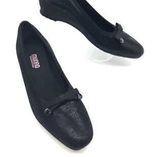 Primary Photo - BRAND: MUNRO AMERICAN STYLE: RANDA CROSSHATCHCOLOR: BLACK SIZE: 9.5 SKU: 262-26275-68797IN EXCELLENT CONDITION.