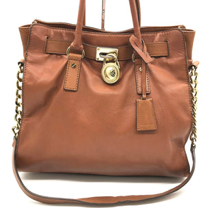 "Primary Photo - BRAND: MICHAEL KORS STYLE: HANDBAG DESIGNER COLOR: BROWN SIZE: LARGE 12.5""H X 13.5""L X 5""W STRAP DROP: 12.5""SKU: 262-26275-70808SLIGHT SPOTS ON THE BOTTOM • SLIGHT STAINS ON THE INTERIOR LINING •"