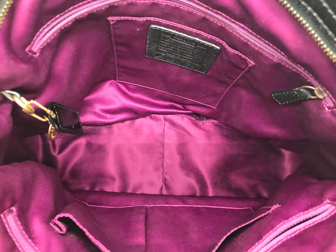 Photo #4 - BRAND: COACH <BR>STYLE: HANDBAG DESIGNER <BR>COLOR: BLACK <BR>SIZE: LARGE <BR>SKU: 262-26275-64721<BR>GENTLE WEAR SHOWS, CRACKS AROUND THE EDGES OF THE STRAP AND SOME STAIN SPOTS ON THE INTERIOR LINING. OVERALL IN GOOD SHAPE AND CONDITION. <BR>DESIGNER BRAND - FINAL SALE