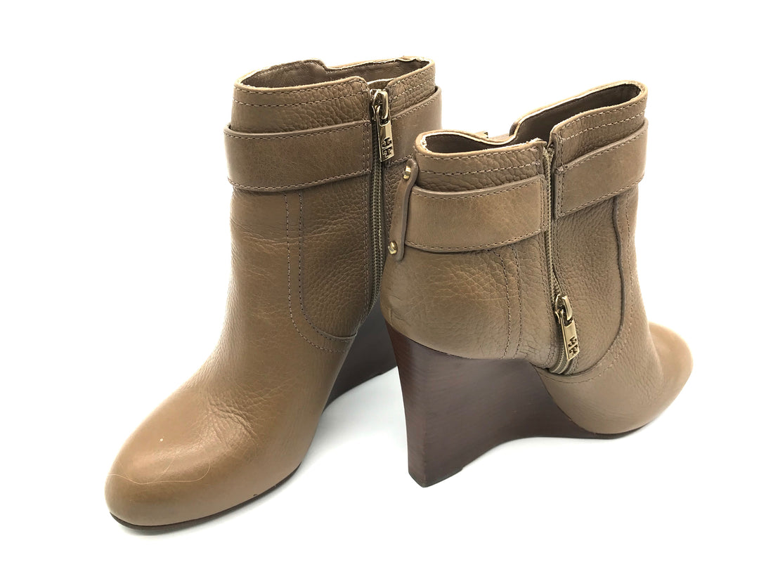 Primary Photo - BRAND: TORY BURCH <BR>STYLE: BOOTS ANKLE <BR>COLOR: BROWN <BR>SIZE: 9 <BR>SKU: 262-262101-1427<BR><BR>ELINA BOOTIE
