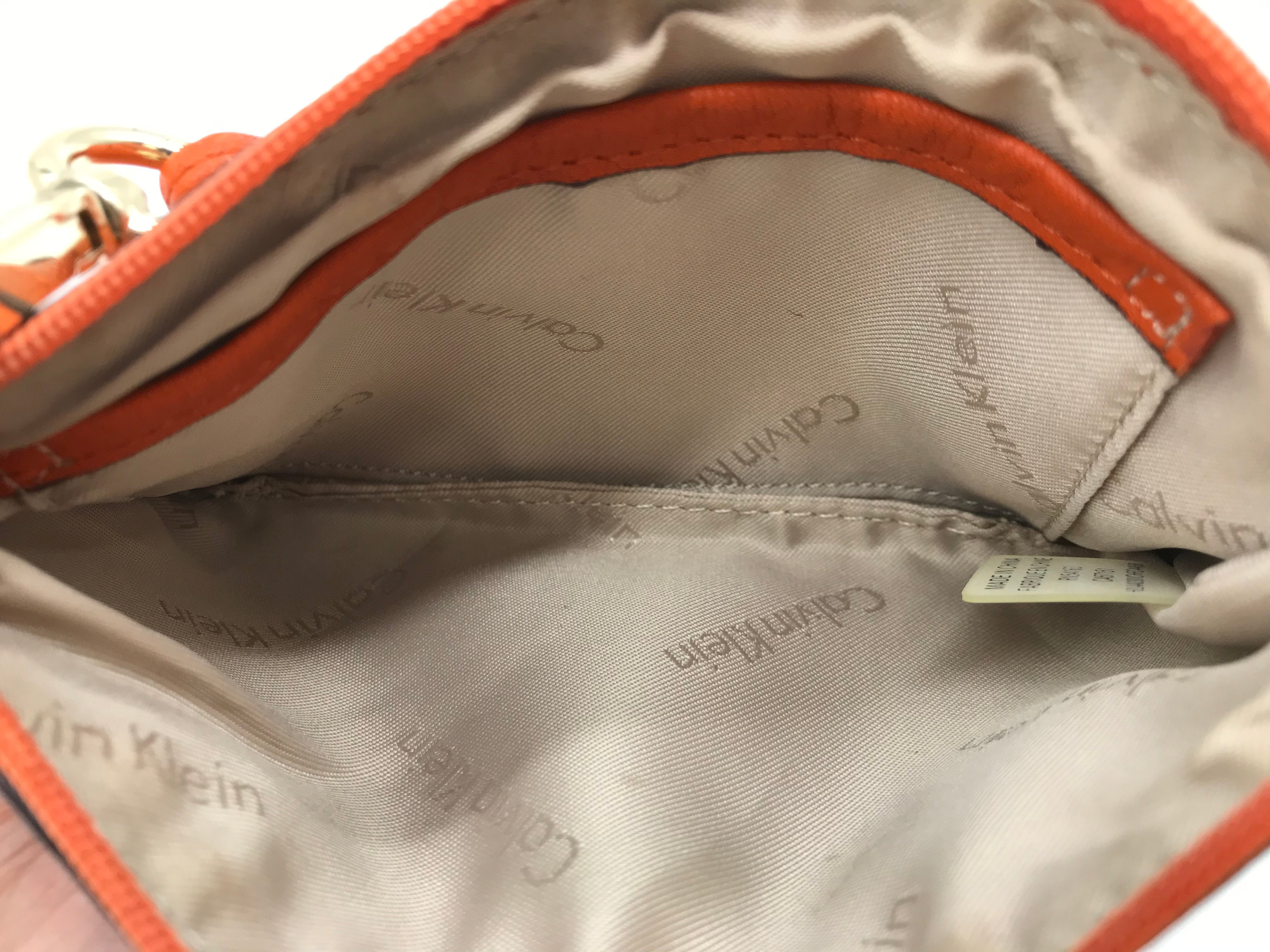 Photo #2 - BRAND: CALVIN KLEIN <BR>STYLE: COIN PURSE <BR>COLOR: ORANGE <BR>SIZE: MEDIUM <BR>SKU: 262-26241-40331<BR>AS IS