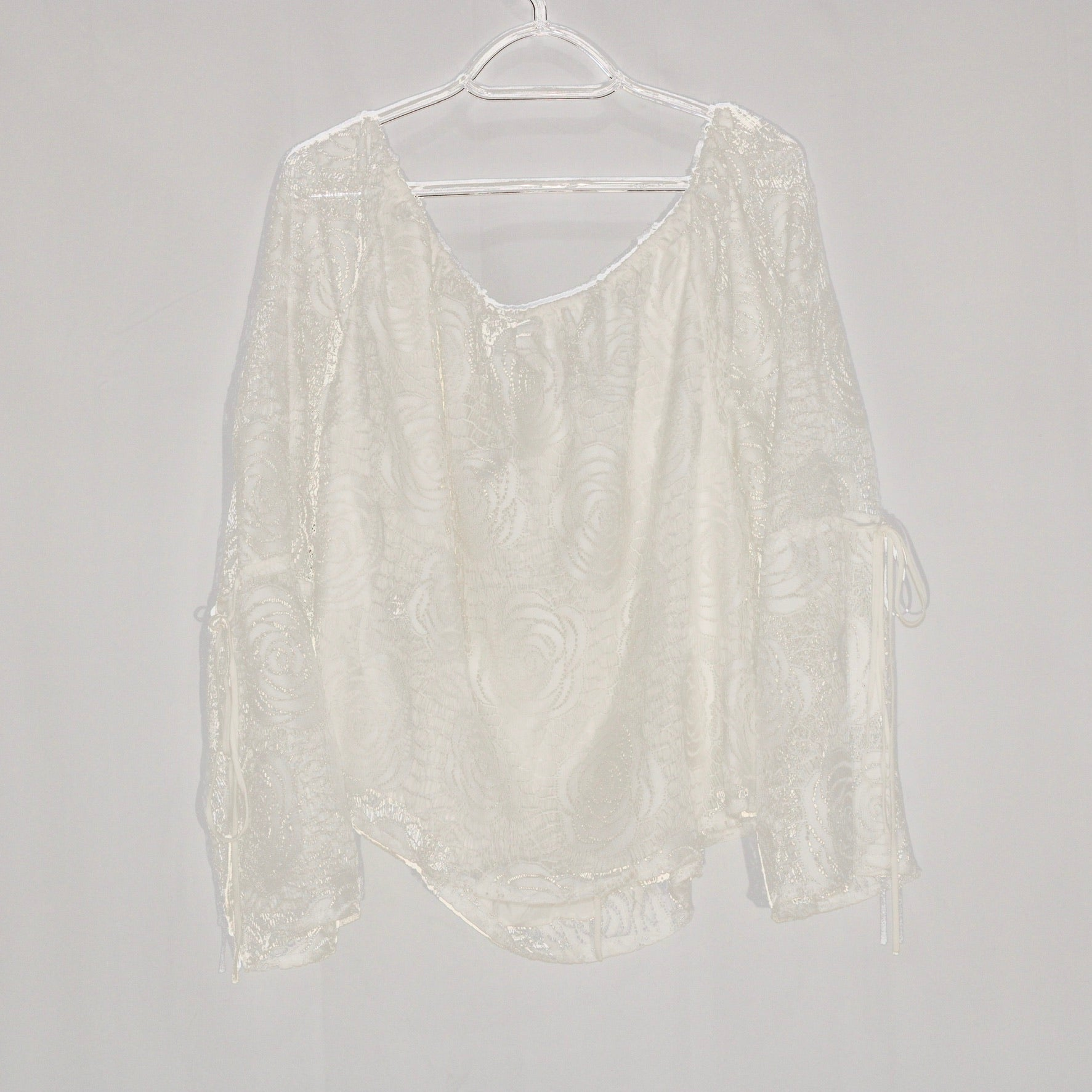 Photo #1 - BRAND: JEANS BY BUFFALO <BR>STYLE: BLOUSE <BR>COLOR: WHITE <BR>SIZE: XL <BR>SKU: 262-26275-58954
