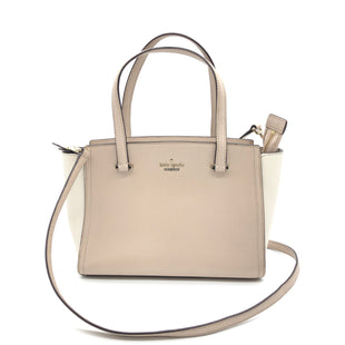 "Primary Photo - BRAND: KATE SPADE STYLE: HANDBAG DESIGNER COLOR: BEIGE SIZE: MEDIUM 8""H X 13""L X 4.3""WSTRAP DROP: 20.5""SKU: 262-26275-77355IN GOOD SHAPE AND CONDITION"