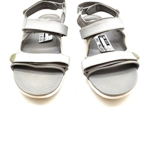 Primary Photo - BRAND: FITFLOP STYLE: SANDALS FLAT COLOR: SILVER SIZE: 8 SKU: 262-26275-62388AS IS