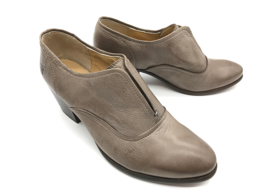 Photo #2 - BRAND: FRYE <BR>STYLE: SHOES LOW HEEL <BR>COLOR: TAUPE <BR>SIZE: 7.5 <BR>SKU: 262-26241-37170<BR>GENTLE WEAR - AS IS