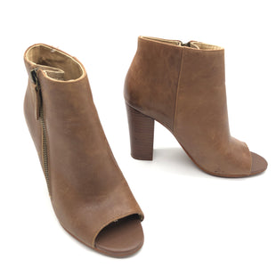 Primary Photo - BRAND:   LEVITYSTYLE: BOOTS ANKLE COLOR: BROWN SIZE: 6 SKU: 262-262101-2729GENTLE LEATHER SCRATCHES • AS IS