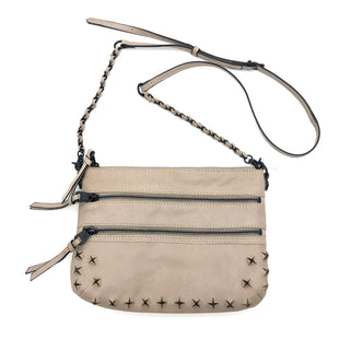 "Primary Photo - BRAND: ELLIOT LUCCA STYLE: HANDBAG COLOR: BEIGE SIZE: SMALL SKU: 262-262101-2130AS IS APPROX 10""X8""X0.5"""