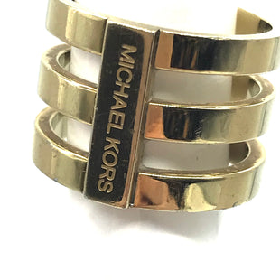 Primary Photo - BRAND: MICHAEL KORS STYLE: RING COLOR: GOLD SKU: 262-26275-73281FITS APPROX. SIZE 5.5